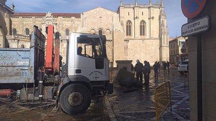 Ayuntamiento de León restaurará los daños sufridos por la escultura 'Las Cabezadas'