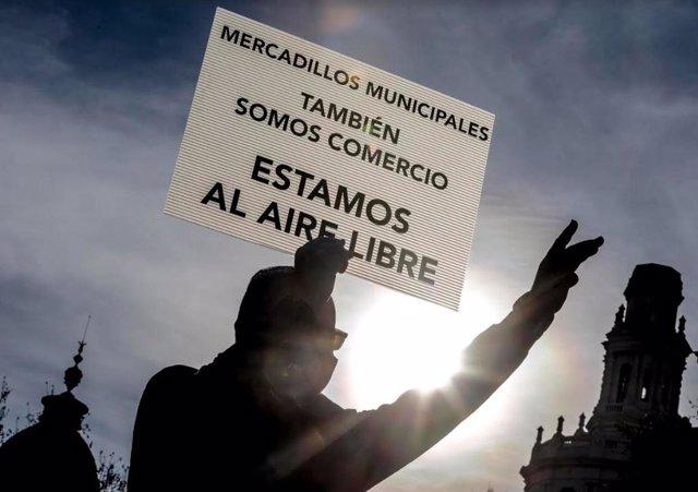 Manifestación de los vendedores ambulantes en València.