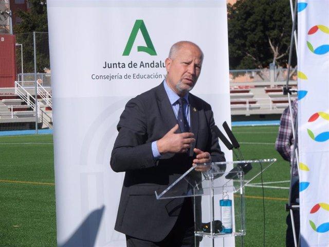 El consejero de Educación y Deportes de la Junta de Andalucía, Javier Imbroda