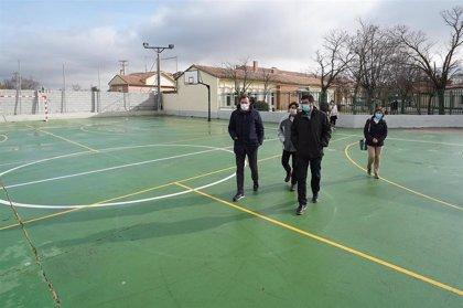 Ayuntamiento de Valladolid completa las obras de las pistas deportivas y un nuevo Centro de participación en La Overuela