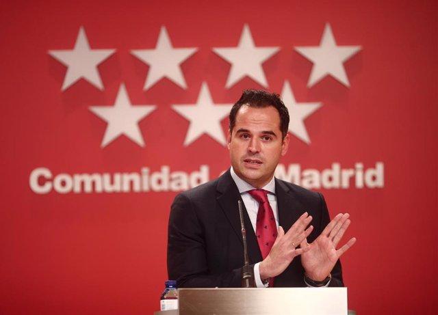 El vicepresidente de la Comunidad de Madrid, Ignacio Aguado, interviene en la rueda de prensa convocada posterior al Consejo de Gobierno de la Comunidad de Madrid celebrada en la Real Casa de Correos, Madrid, (España), a 27 de enero de 2021.
