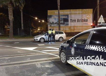 La Policía Local impuso 64 denuncias la pasada semana en San Fernando (Cádiz) por incumplir medidas antiCovid