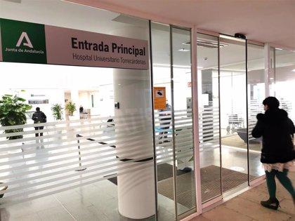 El Hospital Torrecárdenas ultima su renovado plan de contingencia tras recibir pacientes covid de otros centros