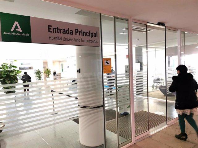 Acceso principal al Hospital Universitario de Torrecárdenas
