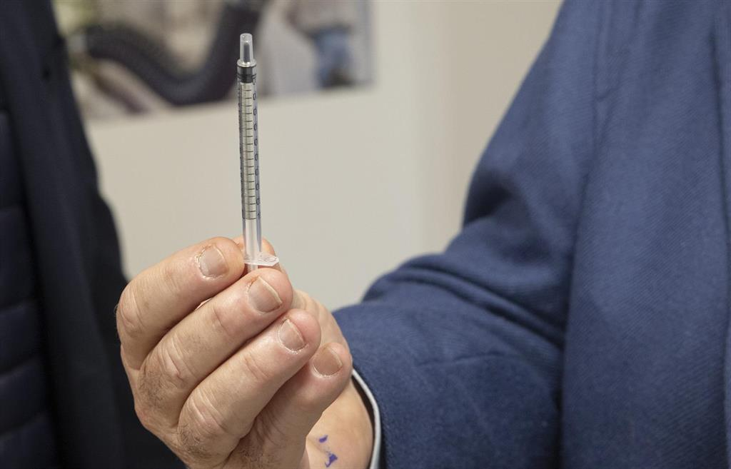 El pleno de Camas (Sevilla) expresa por unanimidad su  condena  a los políticos ya vacunados