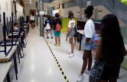 Educación actualizará el protocolo para agilizar la cobertura de bajas en los centros por Covid