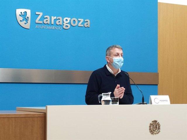 El portavoz del grupo municipal de Podemos en el Ayuntamiento de Zaragoza, Fernando Rivarés