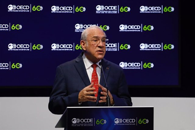 HANDOUT - 14 December 2020, France, Paris: OECD's Secretary General Angel Gurria delivers a speech during a ceremony marking the 60th anniversary of the creation of the Organisation for Economic Co-operation and Development (OECD) at its headquarters in P