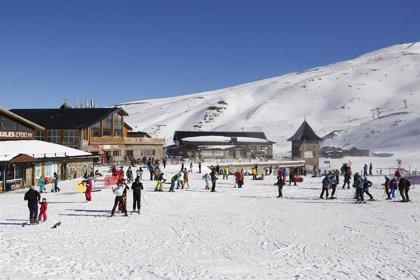 Sierra Nevada evalúa este jueves la situación de la estación de esquí con el cierre de Monachil (Granada)