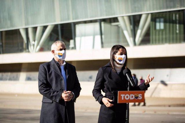 La presidenta de Ciudadanos, Inés Arrimadas, y el candidato de Cs a la Presidencia de la Generalitat, Carlos Carrizosa.