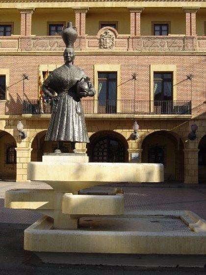 """El PSOE de Fraga solicita declarar BIC la estatua de """"La Fragatina"""""""