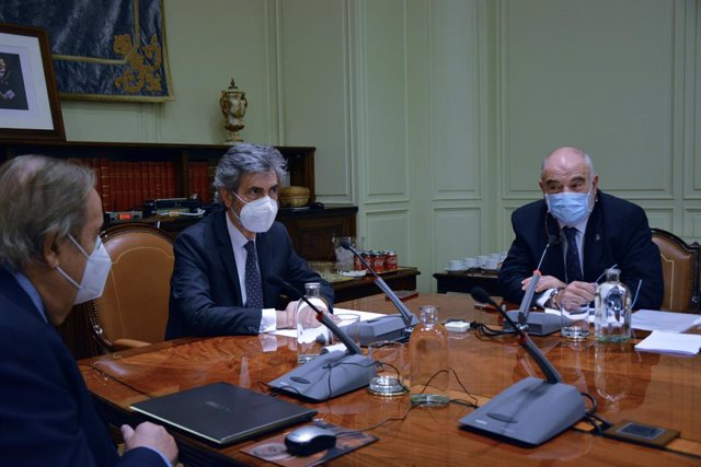 El presidente del Tribunal Supremo y del Consejo General del Poder Judicial (CGPJ), Carlos Lesmes preside un pleno extraordinario en el CGPJ, en Madrid (España), a 28 de octubre de 2020. Durante la sesión, el CGPJ discute su posición ante la reforma de la