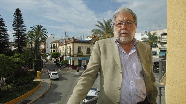 El presidente del Consejo Andaluz de Gobiernos Locales y alcalde de Dos Hermanas (Sevilla), Francisco Toscano