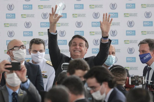 14 August 2020, Brazil, Rio de Janeiro: Brazilian President Jair Bolsonaro reacts during the inauguration of the new civic-military General Abreu's school. Photo: O Globo/GDA via ZUMA Wire/dpa