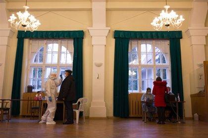 Más de la mitad de los eslovacos participan en las pruebas masivas de COVID-19, que dejan un 1,24% de positivos