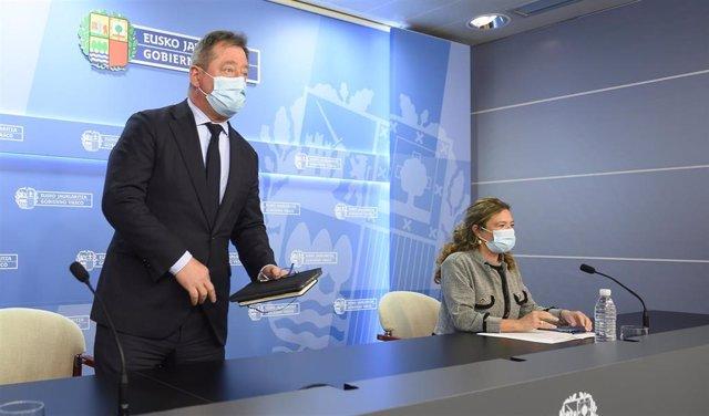 El portavoz del gobierno vasco, bingen zupiria, en rueda de prensa tras el consejo de gobierno