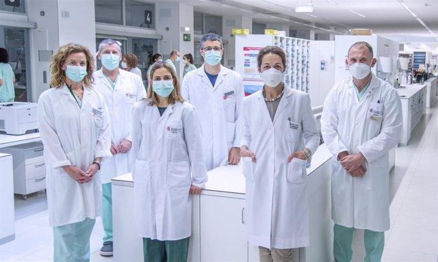 Equipo de UCI de trasplantes. De izquierda a derecha: Inés Osés, Óscar Agudo, María Barber, Mauro Loinaz, Micaela Sancho y José Roldán