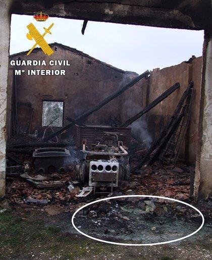 Investigados dos menores por un provocar el incendio de una cochera en Cantabrana (Burgos)