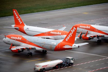 easyJet mantendrá el empleo de sus pilotos en España hasta febrero de 2022 a cambio de una rebaja salarial del 8%