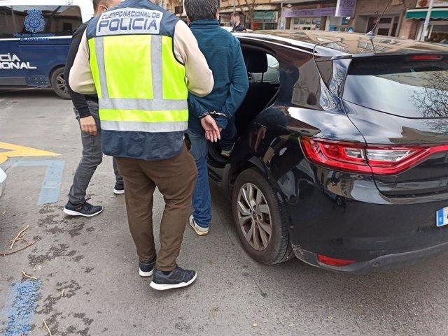 La Policía Nacional Detiene A Tres Personas Y Desarticula Un Grupo Organizado De Falsos Revisores Del Gas