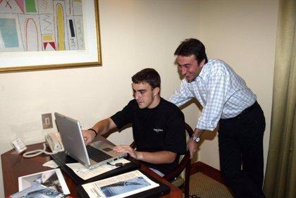 Alonso, Sainz o Gené se despiden agradecidos de Adrián Campos