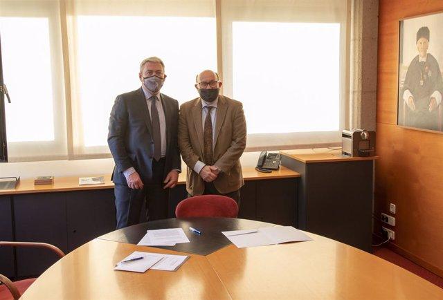 Lunet colabora con UIC Barcelona en la dotación de un fondo de becas para alumnos en riesgo de exclusión social