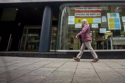 """La Comunidad dice que el paro refleja """"la crudeza"""" de la crisis aunque resalta la creación de más de 60.000 empleos"""