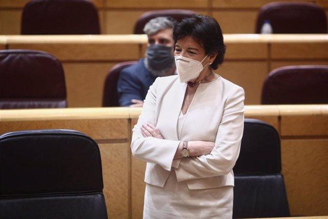 La ministra de Educación, Isabel Celaá durante una sesión plenaria en el Senado, en Madrid (España), a 23 de diciembre de 2020. El Senado cierra este año 2020 con el pleno de hoy, en el que se debate y vota el proyecto de ley de reforma educativa conocida