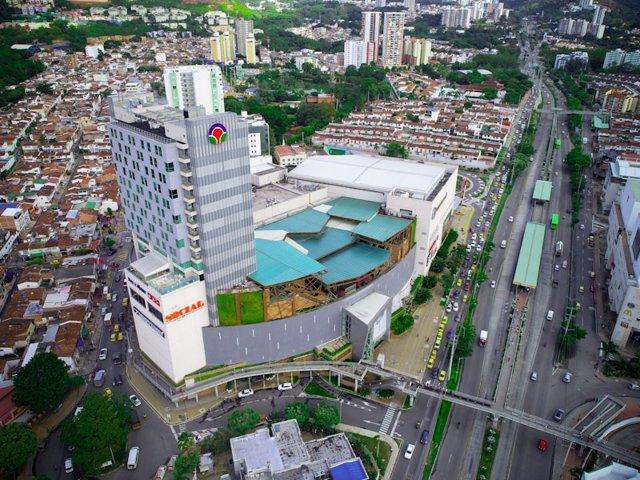 Parque Arauco vende el 49% de dos centros comerciales en Colombia a Inmoval por 132 millones