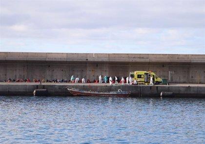 Presidente de la Gomera exige el traslado de los migrantes ante la falta de centros de acogida en la isla