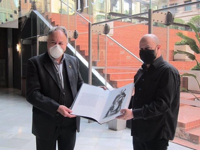 L'autor Josep Maria Figueres i l'editor Joan Ricart