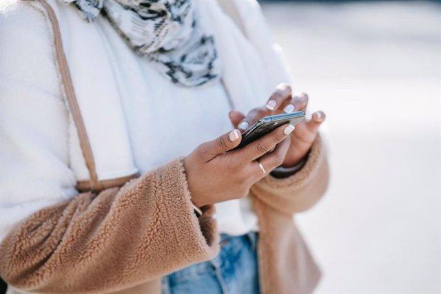 Comprar móviles baratos es muy sencillo según TopMóviles
