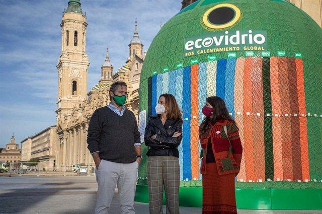 Plaza del Pilar acoge el contenedor más grande de mundo para concienciar sobre efectos de calentamiento global.