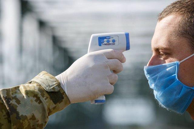 Frontera entre Hongria i Ucraïna durant la pandèmia dl coronavirus