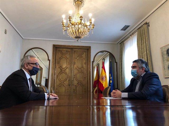 Alejandro Blanco y José Manuel Rodríguez Uribes, presidente del COE y ministro de Cultura y Deporte durante una reunión