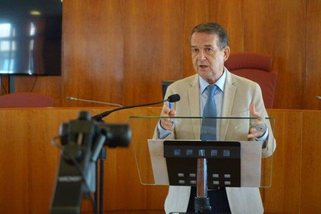 El presidente de la Federación Española de Municipios y Provincias (FEMP), Abel Caballero, este jueves