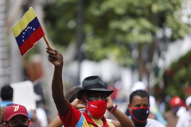 Imagen de archivo de una bandera de Venezuela.