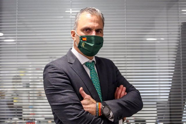 El portavoz de Vox en el Ayuntamiento de Madrid, Javier Ortega Smith, posa tras una entrevista con Europa Press en la sede de la Agencia, en Madrid (España) a 19 de octubre de 2020.