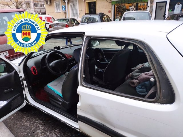 Rescatado un bebé que quedó encerrado en un vehículo en Alcorcón