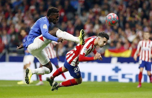 Williams (Athletic) y Hermoso (Atlético)