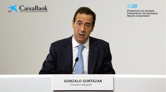 El conseller delegat de CaixaBank, Gonzalo Gortázar, durant la presentació dels resultats del 2020.