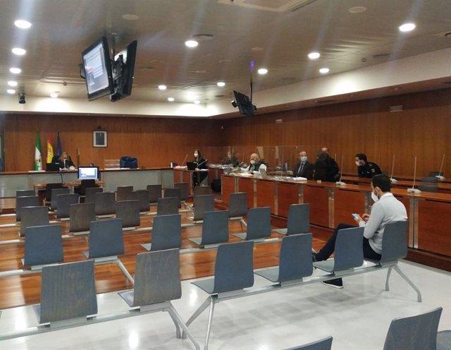 Juicio con jurado acusada de asesinato