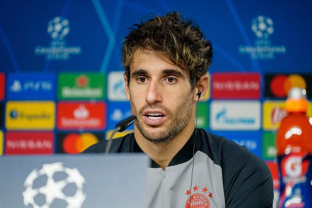 HANDOUT - 30 November 2020, Munich: Bayern Munich's Javi Martinez speaks during a press conference for the team's ahead of Tuesday's UEFA Champions League Group A soccer match against Atletico Madrid. Photo: Marco Donato/FC Bayern München AG/FCB/dpa - ACH