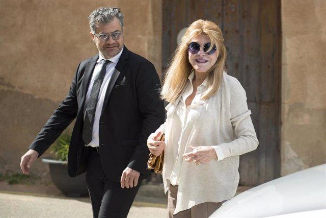 La baronesa Thyssen, Tita Cervera, junto con su hermano Guillermo Cervera