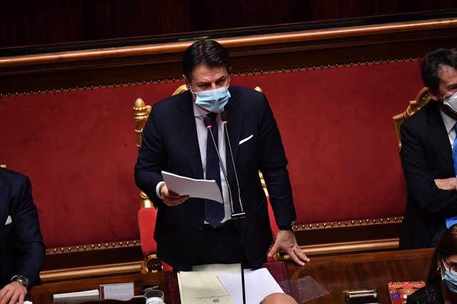 19 January 2021, Italy, Rome: Italian Prime Minister Giuseppe Conte delivers a speech at the Senate, ahead of a vote of confidence following a breakdown of government alliances after the Italia Viva party of former prime minister Matteo Renzi decided to w