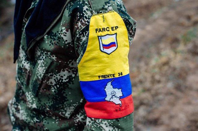 Imagen de archivo de un guerrillero del Frente 36 de las ya desmovilizadas Fuerzas Armadas Revolucionarias de Colombia (FARC)