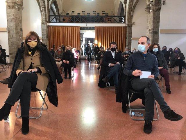 La candidata de JxCat a las elecciones, Laura Borràs, y el exconseller Jordi Turull