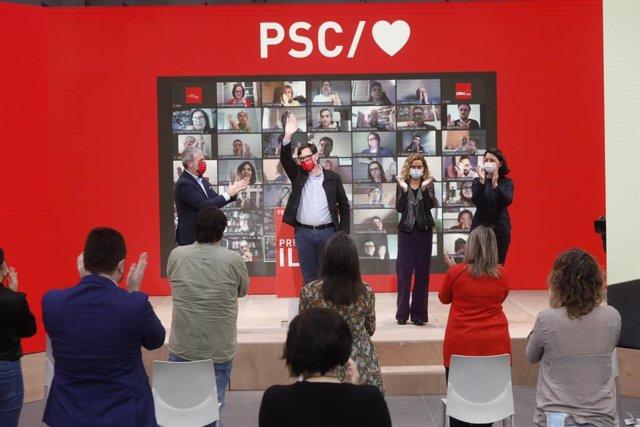 El candidato del PSC a las elecciones catalanas del 14 de febrero, Salvador Illa, junto a la presidenta del Congreso, Meritxell Batet, la número dos de la candidatura, Eva Granados, y el secretario de Política Municipal del partido, Jaume Collboni