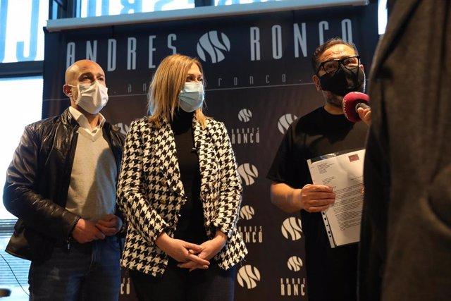 La portavoz de Cs en C-LM, Carmen Picazo, y el diputado David Muñoz Zapara se han reunido con Andrés Ronco, presidente de la Federación de Peluquerías y Centros de Belleza de Castilla-La Mancha.