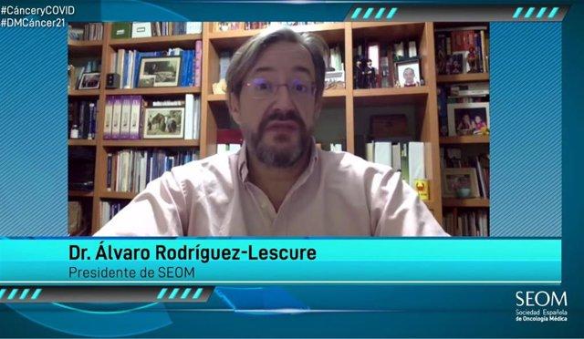 El presidente de SEOM,  el doctor Álvaro Rodríguez-Lescure